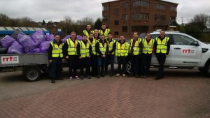 RRT help 'Clean up for the Queen'